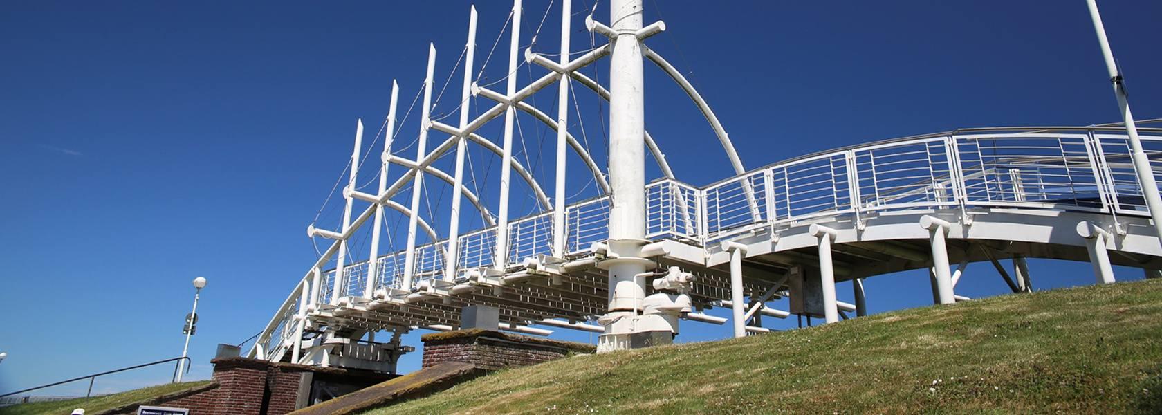 Deichbrücke in Bensersiel, © Tourismusbetrieb Esens-Bensersiel