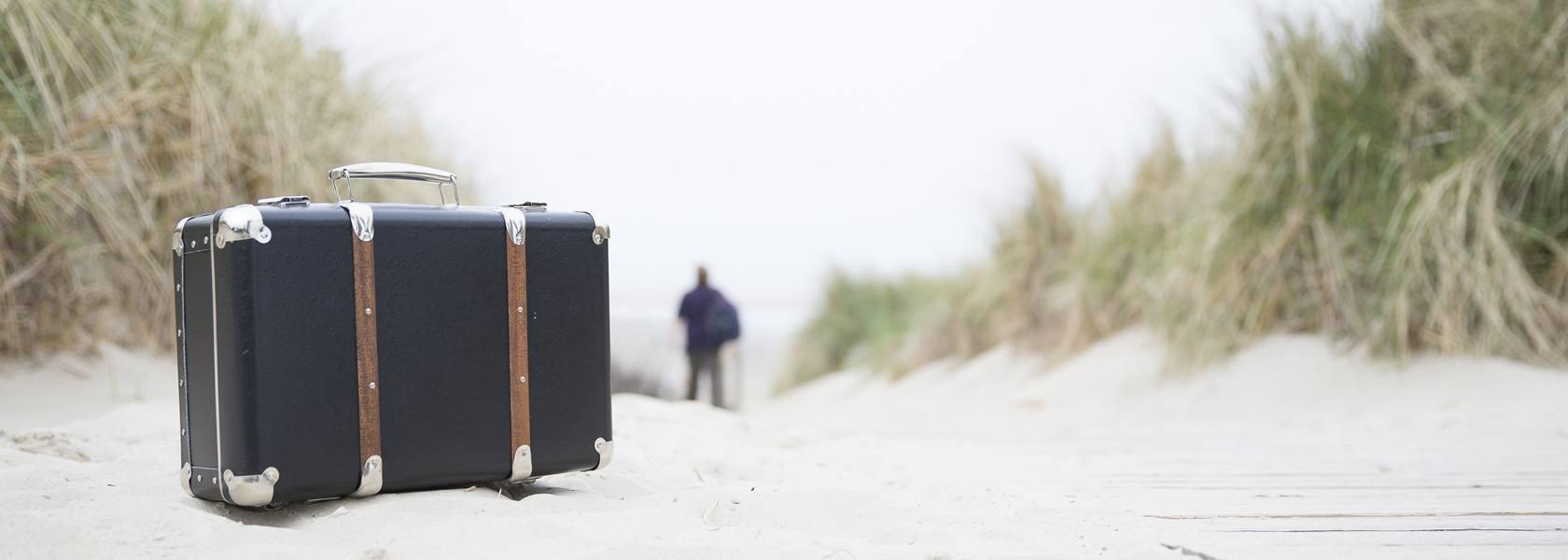 Koffer in den Dünen, © Martin Stöver