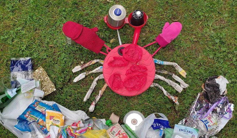 Krabbe aus Plastik, © Regionales Umweltzentrum Schortens