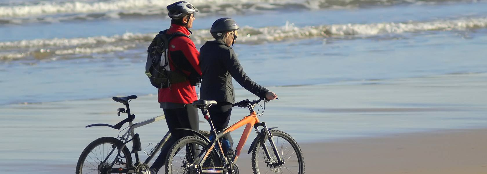 Radfahren an der Nordsee, © Marco Antonio Fdez. - Fotolia.com