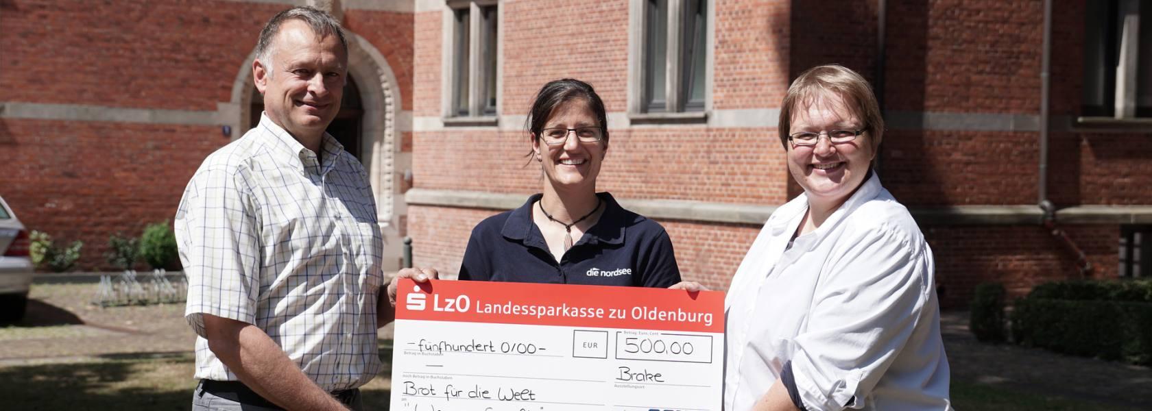 Spendenübergabe EWE-Nordseelauf 2018, © Die Nordsee GmbH, Robin Schneider
