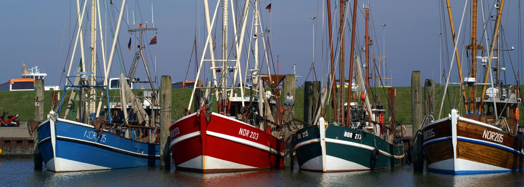 Krabbenkutter im Hafen, © Anne Katrin Figge/ Fotolia