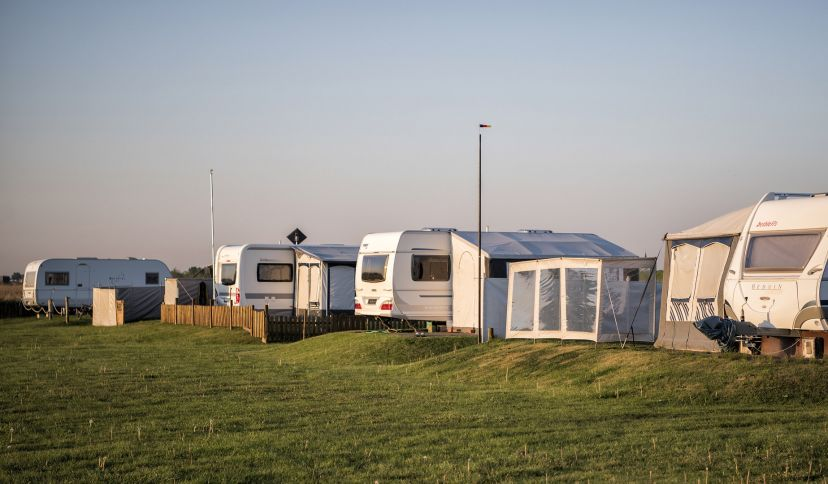 Campingplatz am Morgen, © Florian Trykowski