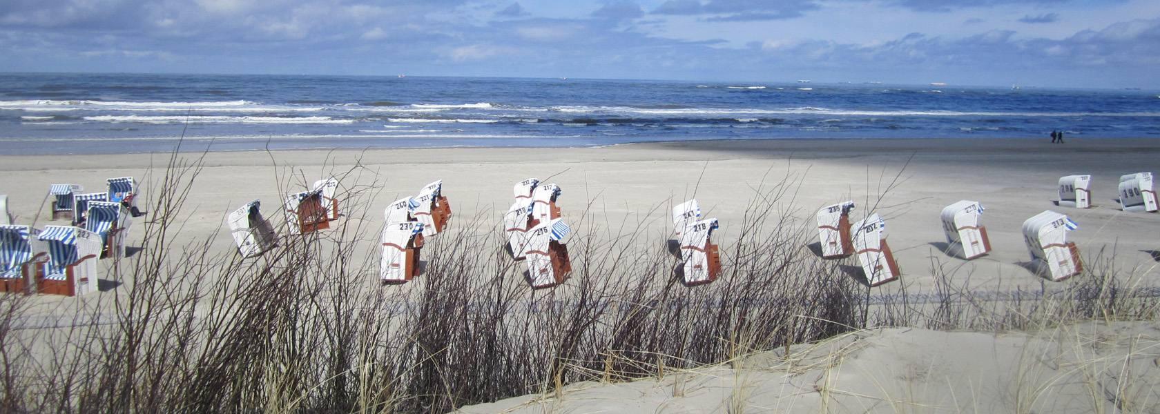 Strandörbe am Strand von Spiekeroog, © Die Nordsee GmbH, Jantje Olchers