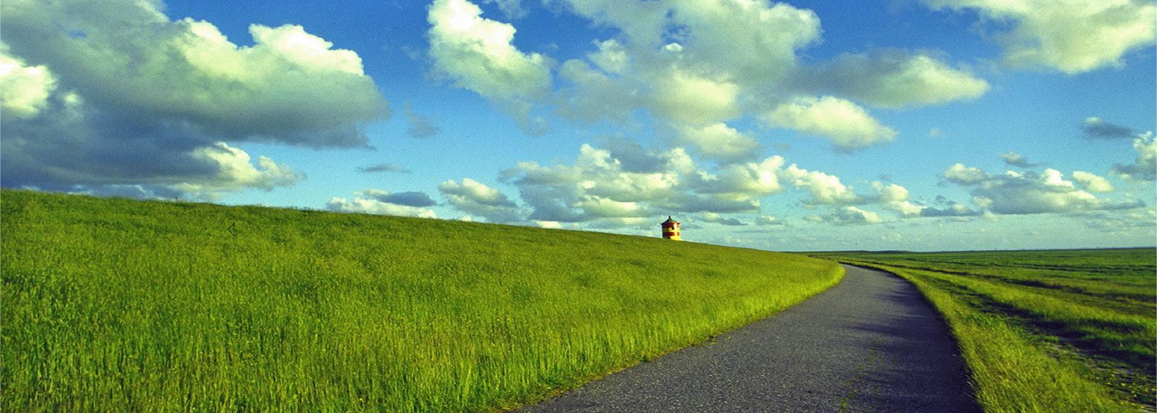 Pilsumer Leuchtturm, © Heiner Witthake - Fotolia.com