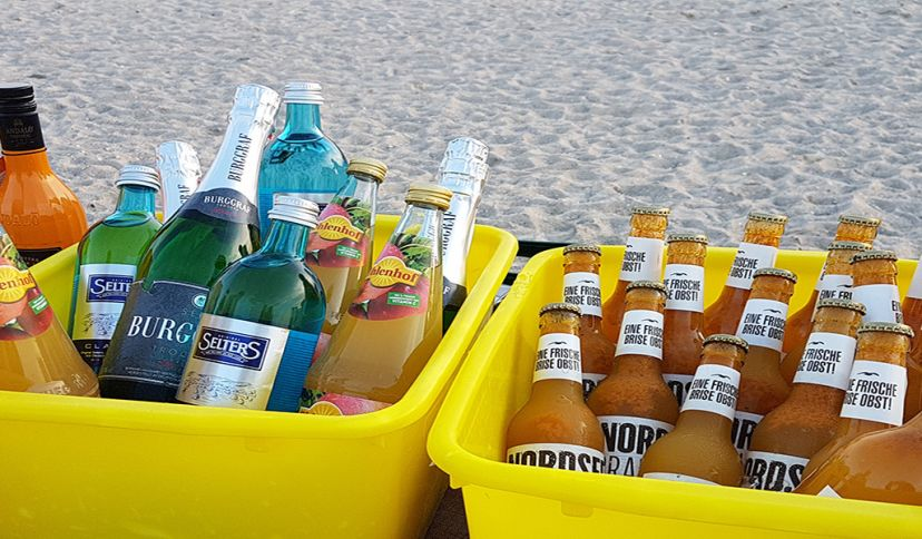 Getränke am Strand, © Die Nordsee GmbH, Carolin Wulke