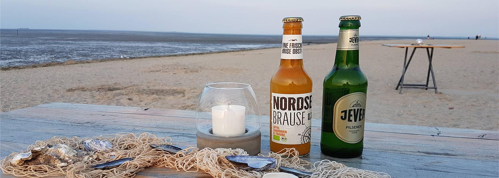 Bierflaschen am Strand, © Die Nordsee GmbH, Carolin Wulke