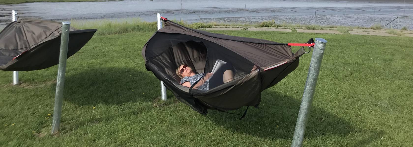 Schlafhängematte in Spieka-Neufeld, © Kurverwaltung Wurster Nordseeküste
