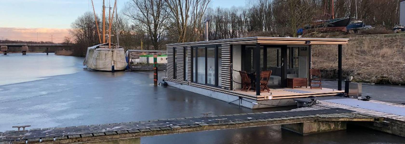 Schwimmendes Ferienhaus in Wilhelmshaven, © KalterHundt UG, Inga Kalter