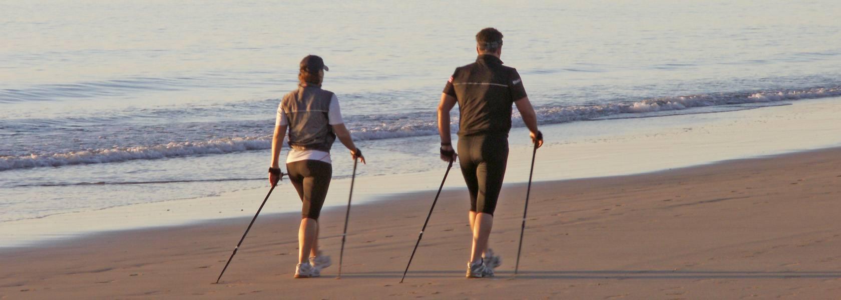 Nordic Walking am Strand, © Kalle Kolodziej, Fotolia