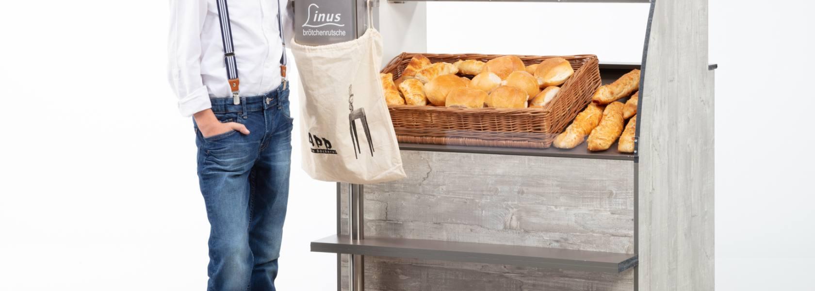 Linus Baur mit Brötchenrutsche, © Caroline Baur