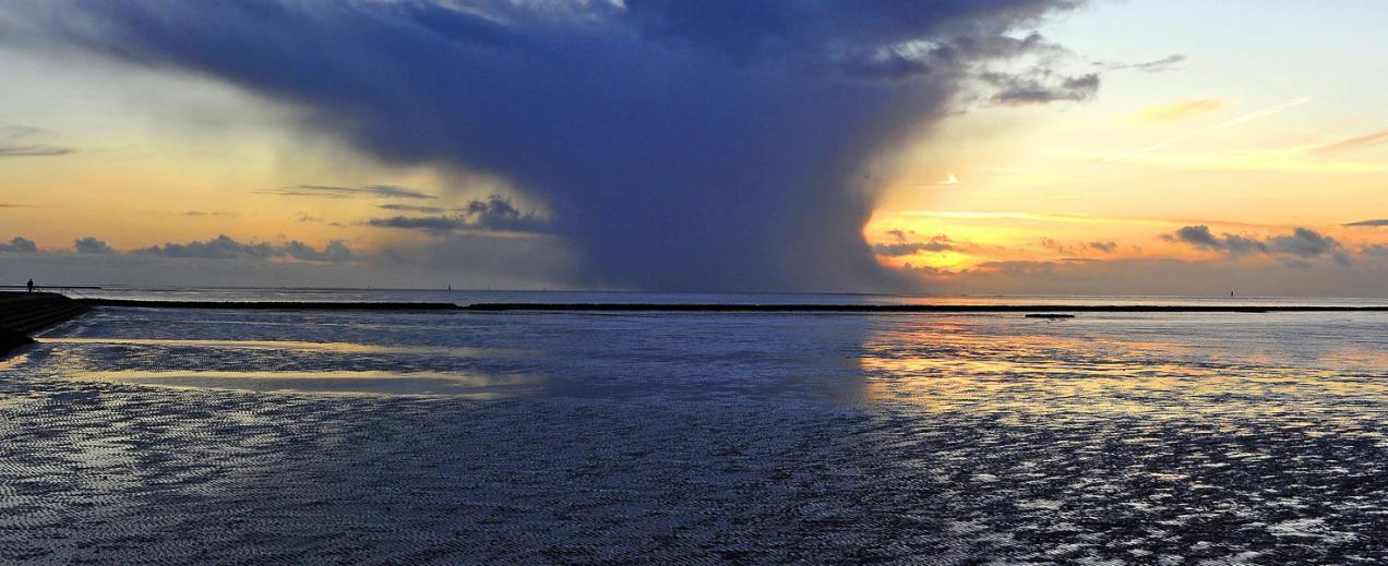 Regen zieht auf, © Beate Ulich